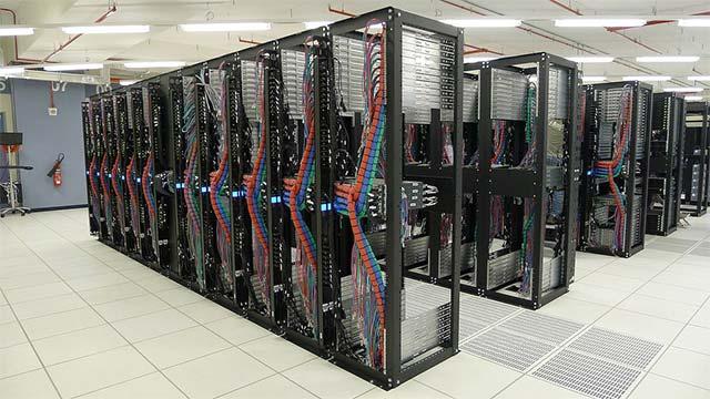 Tủ rack là gì? Các loại tủ rack – Tủ rack tiêu chuẩn đặt tại datacenter